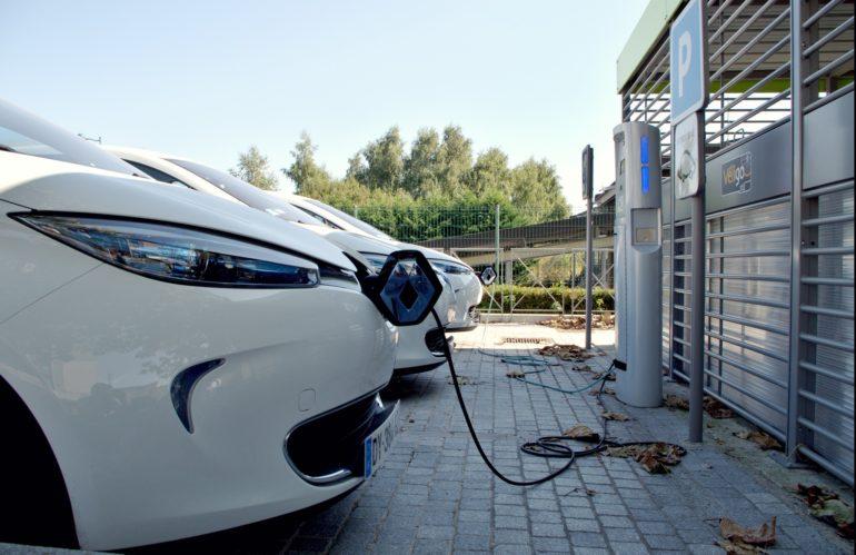 Le passage du permis de conduire en voiture électrique